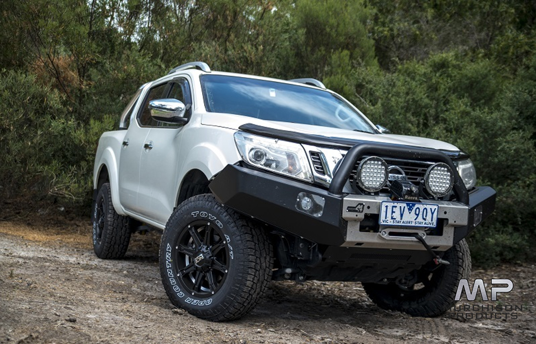 Uneek 4x4 Nissan Navara NP300 Commander Bull Bar, 2015 - 2018