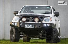 Uneek 4x4 Hilux Bull Bar, 2005 - 2015